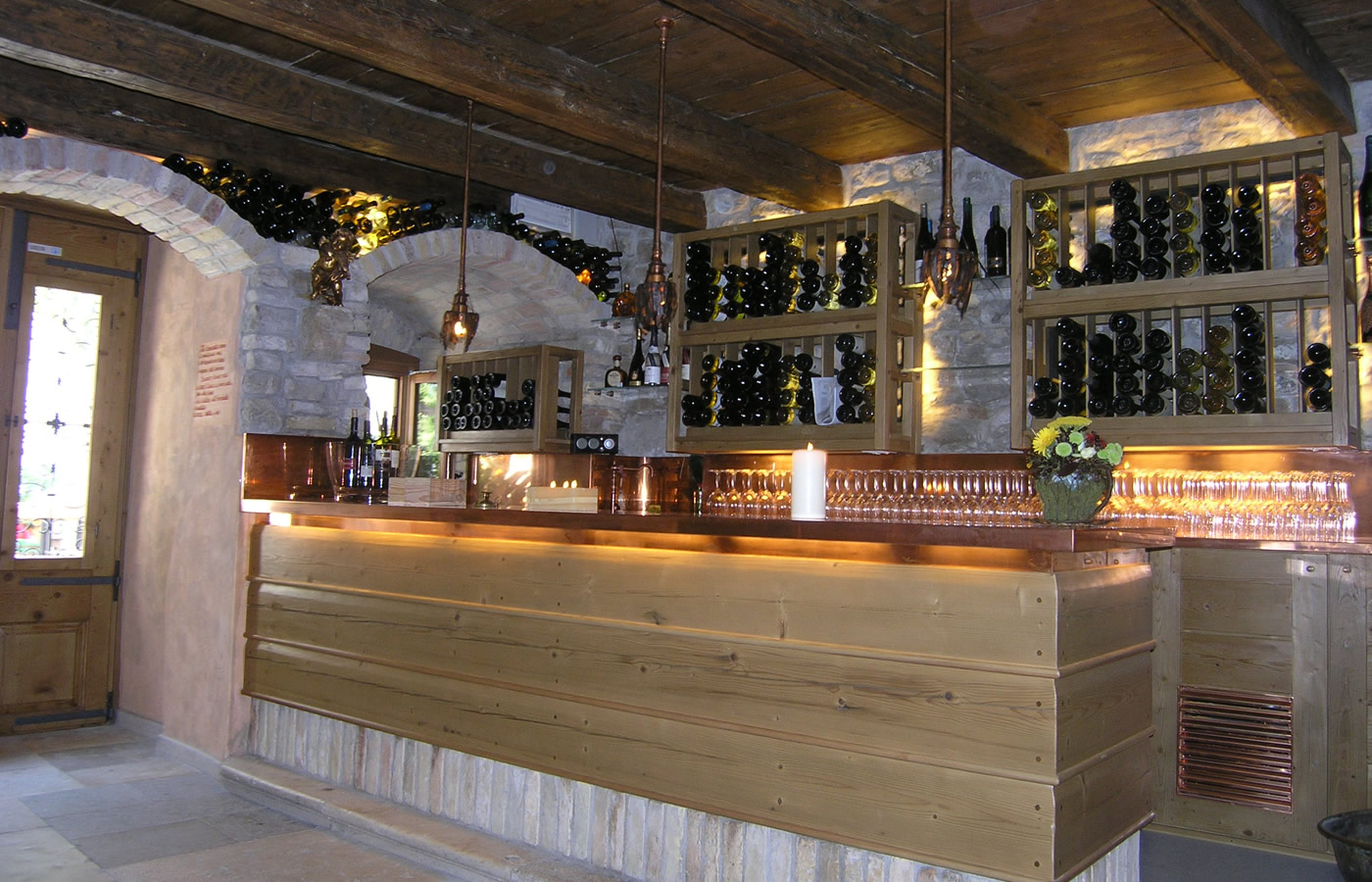 Arredamenti bar particolari gh32 regardsdefemmes for Arredamento wine bar